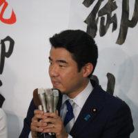 当選御礼と、決意を語る野上浩太郎