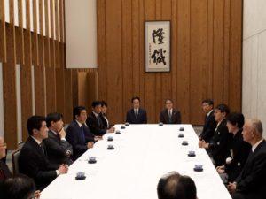 羽生氏,井山氏と歓談